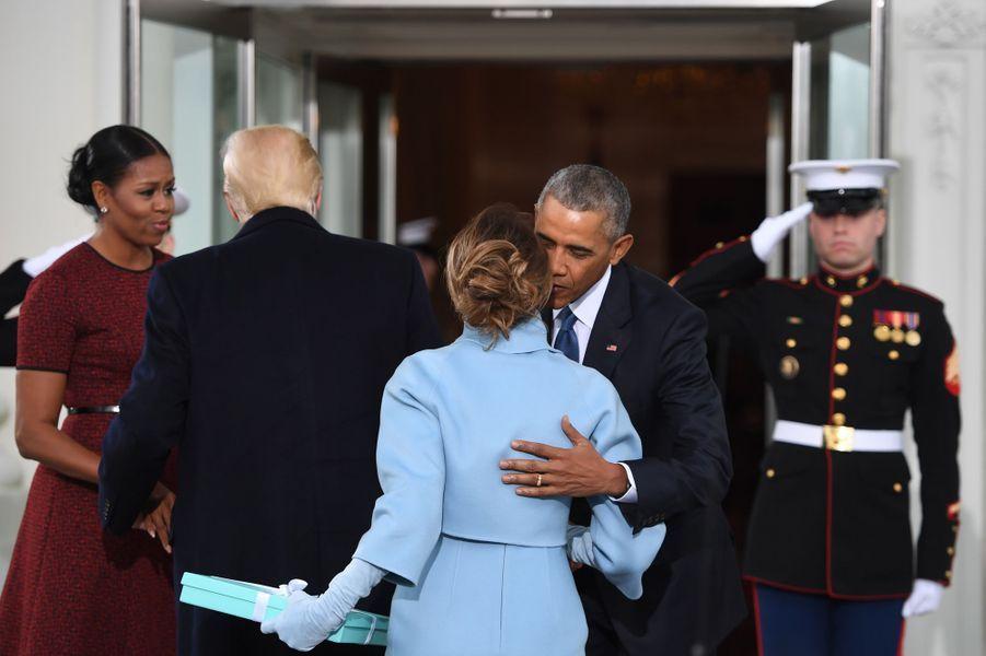 Michelle Obama, Melania Trump, Donald Trump et Barack Obama à la Maison Blanche, le 20 janvier 2017.