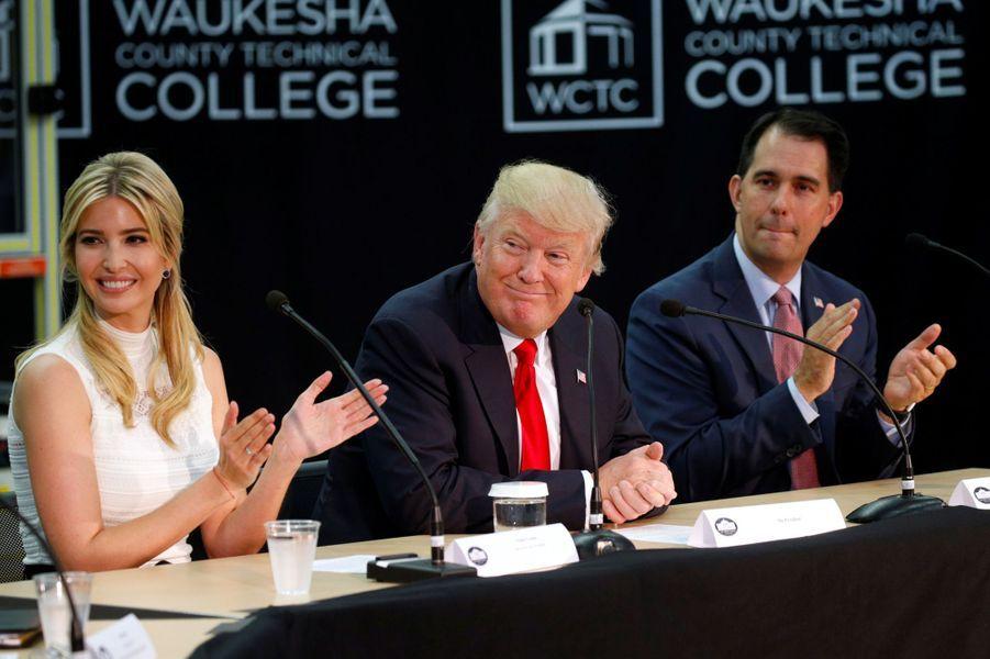 Ivanka et Donald Trump au Waukesha County Technical College de Pewaukee, dans le Wisconsin, le 13 juin 2017.