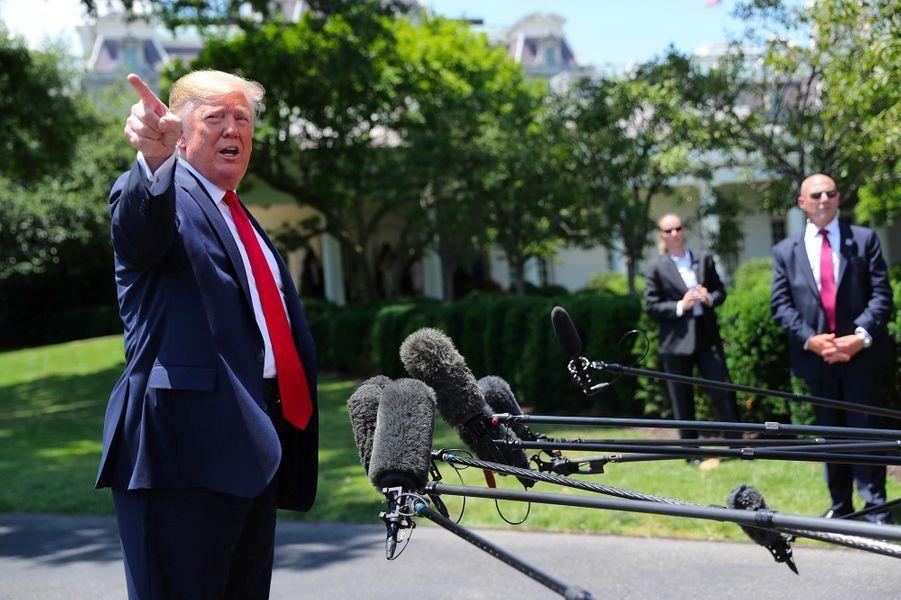 Trump gèle les tarifs douaniers avec la Chine