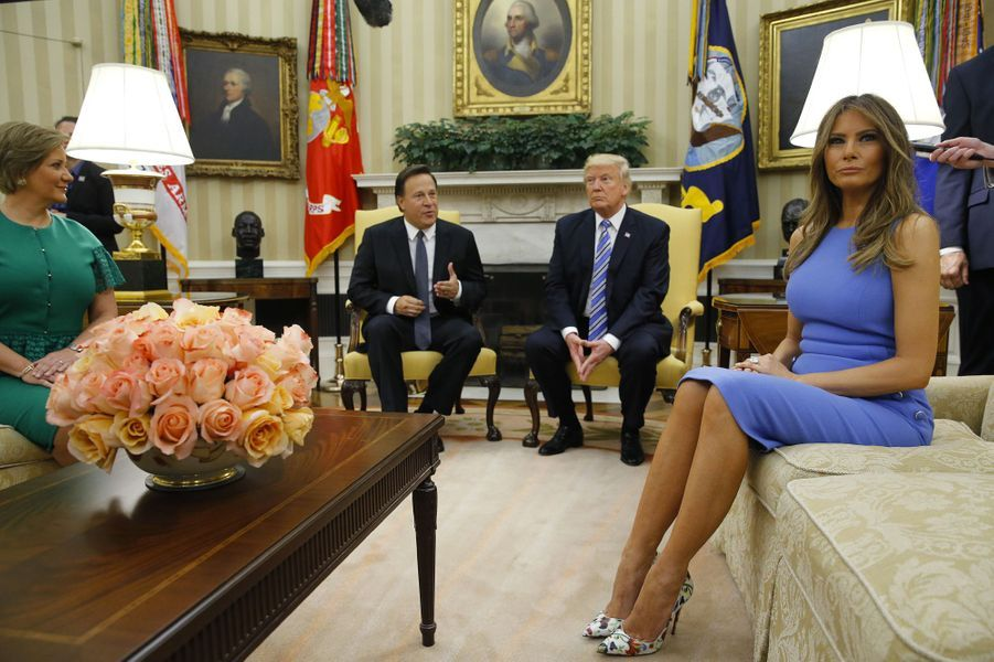 Lorena Castillo, Juan Carlos Varela, Donald et Melania Trump dans le Bureau ovale, le 19 juin 2017.