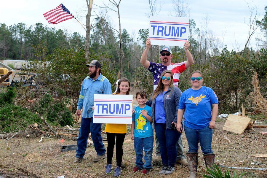 Des partisans de Donald Trump à Beauregard, dans l'Alabama, le 8 mars 2019.
