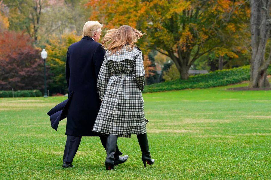 Melania etDonald Trump quittant la Maison-Blanche, le 9 novembre 2018.