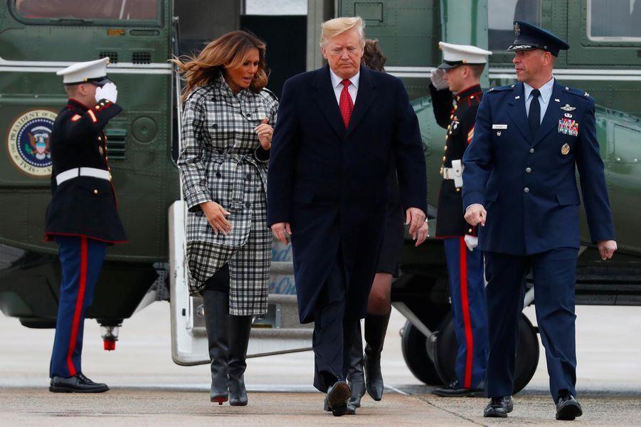 Melania etDonald Trump avant d'embarquer à bord d'Air Force One, le 9 novembre 2018.
