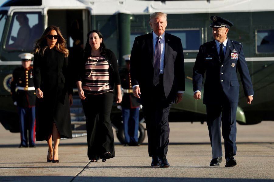 Donald et Melania Trump avant de monter à bord d'Air Force One, le 4 octobre 2017.