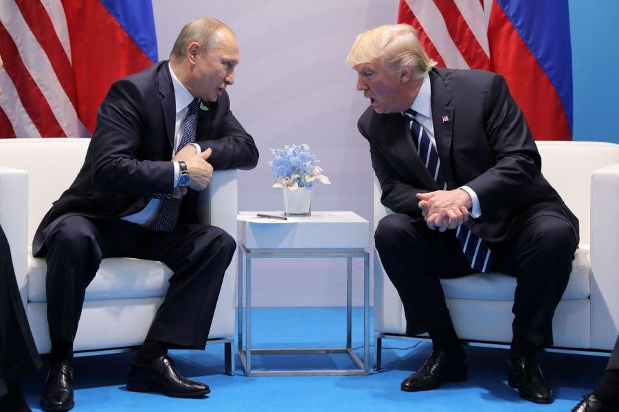 Vladimir Poutine et Donald Trump à Hambourg, le 7 juillet 2017.