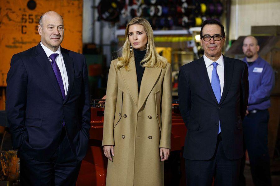 Donald et Ivanka Trump avec le secrétaire au Trésor Steven Mnuchin en Pennsylvanie, le 18 janvier 2018.