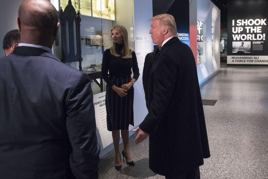 Donald Trump et sa fille Ivanka Trumplors d'une visite du musée de l'histoire afro-américaine de Washington, le 21 février 2017.