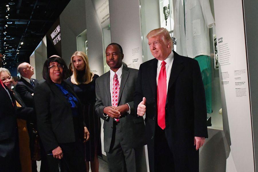 Donald Trump et sa fille Ivanka Trump lors d'une visite du musée de l'histoire afro-américaine de Washington, le 21 février 2017.