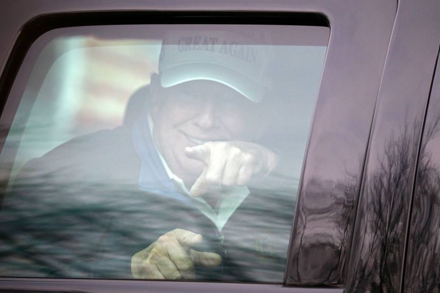 Donald Trump arrivant au Trump National Golf Club de Sterling, en Virginie, le 22 novembre 2020.