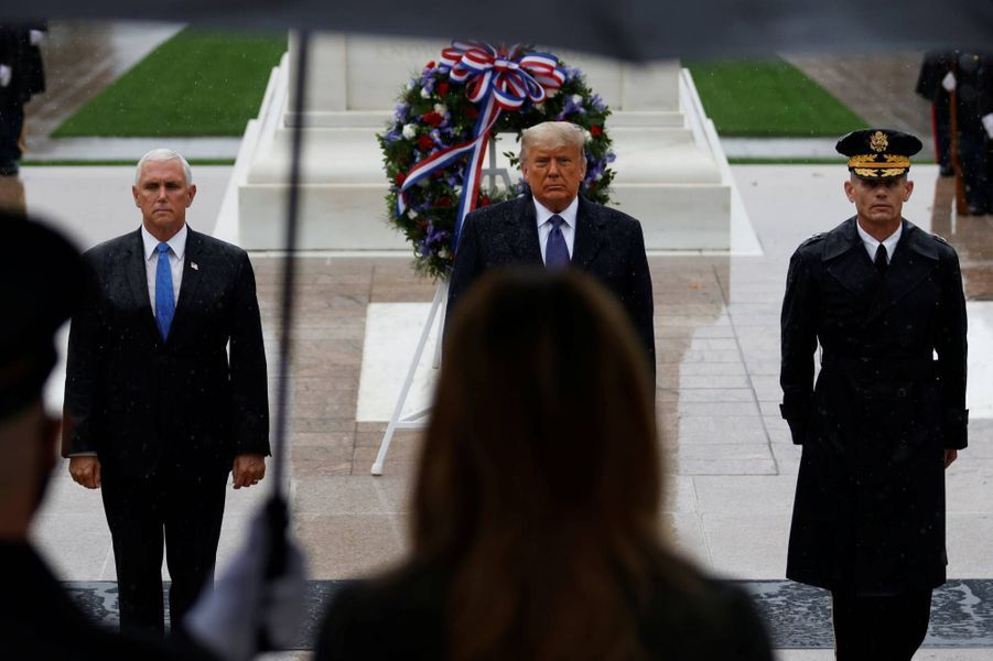 Mike Pence et Donald Trump au cimetière national d'Arlington, le 11 novembre 2020.