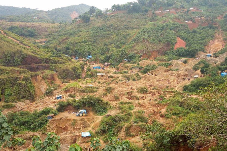 Dans la mine d'or artisanale de Kamituga, en République démocratique du Congo, en août 2018.