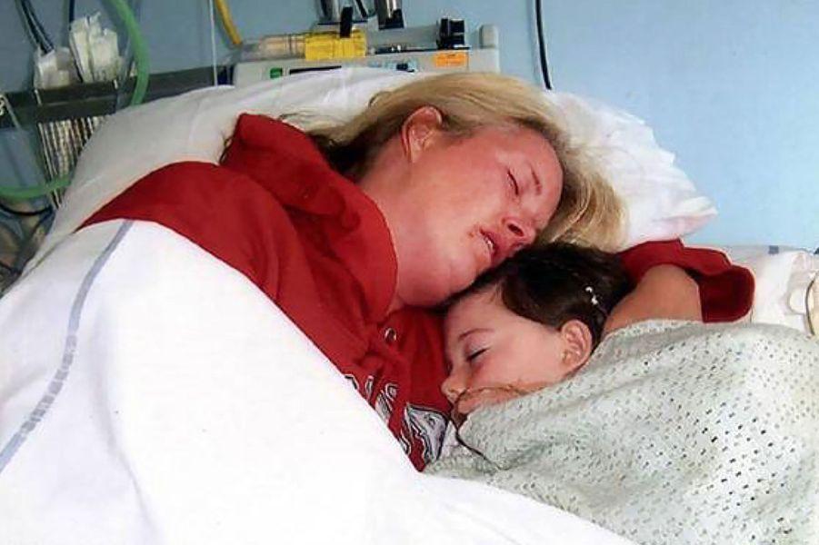 Debbie Stoner et sa fille Jade, décédée à l'âge de 7 ans.