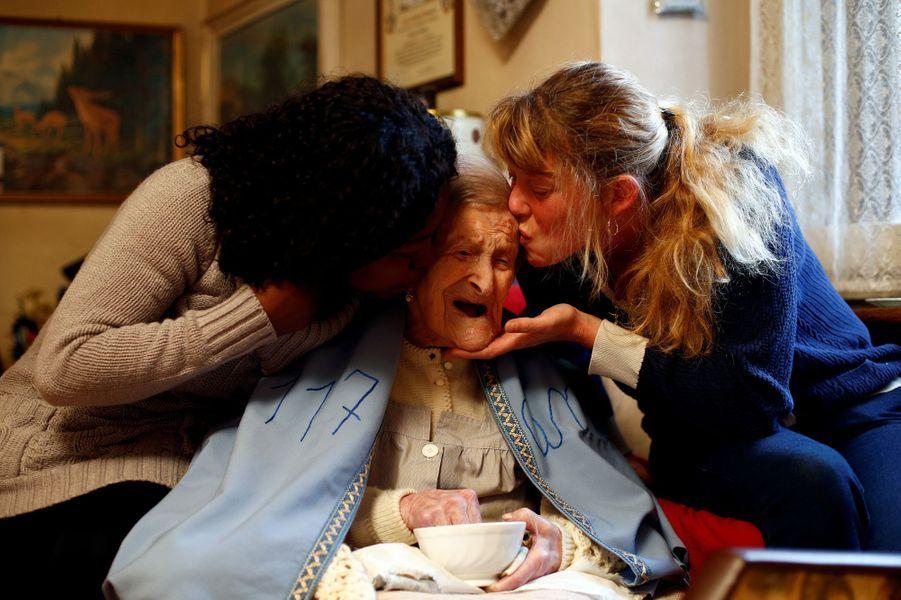 Emma Morano, la dernière survivante du XIXe siècle, en novembre 2016.Emma Morano, la dernière personne née avant 1900, en novembre 2016.