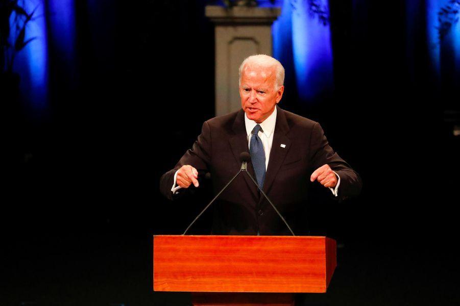 Joe Biden à l'hommage rendu à John McCain à Phoenix, le 30 août 2018.