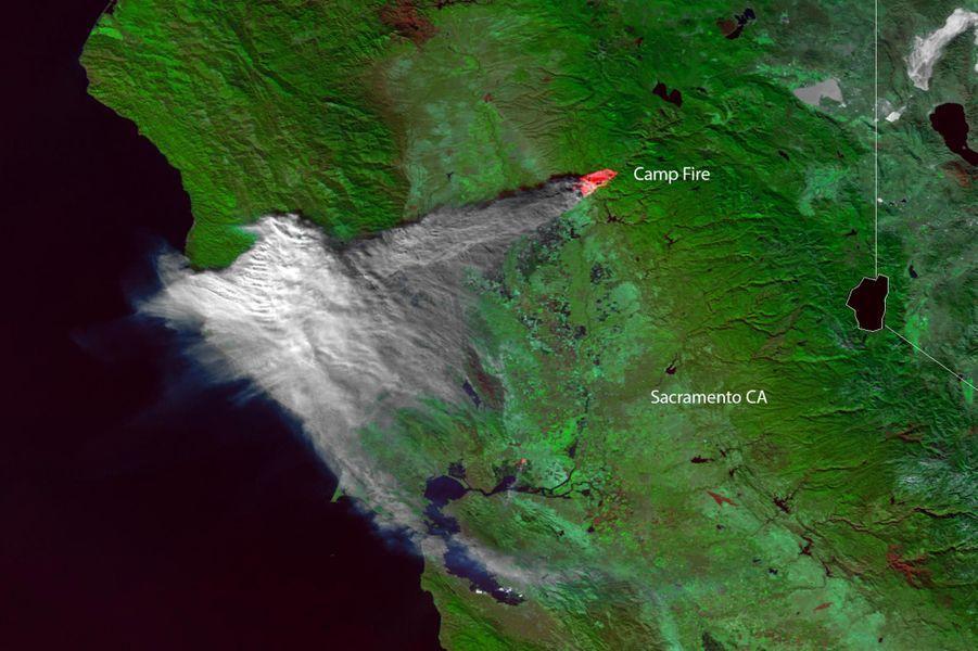 Une vue satellite de la Californie et de «Camp Fire».