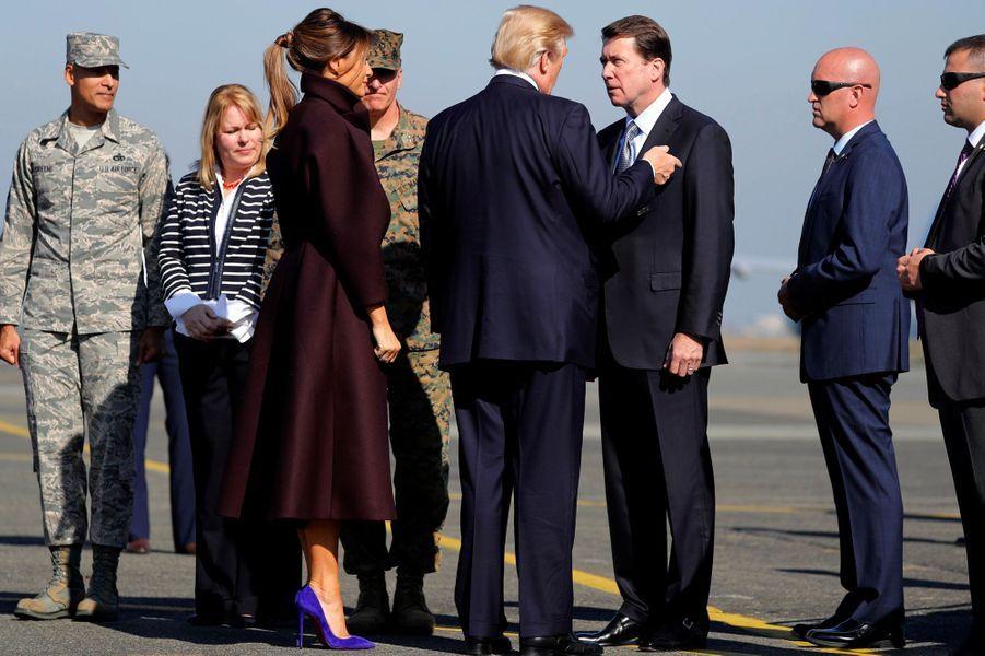 Melania et Donald Trump à l'aéroport de Séoul, le 7 novembre 2017.