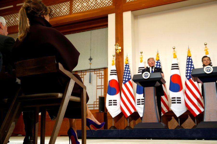 Melania Trump durant le discours de son mari Donald Trumpà la Maison Bleue, à Séoul, le 7 novembre 2017.