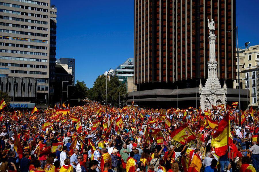 Manifestation à Madrid pour le dialogue et l'unité, le 7 octobre 2017.