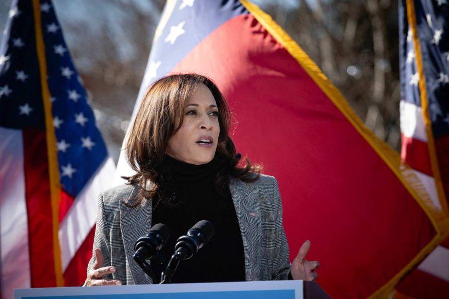 Kamala Harris en campagne pour les candidats démocrates Jon Ossoff et Raphael Warnock à Columbus, en Géorgie, le 21 décembre 2020.