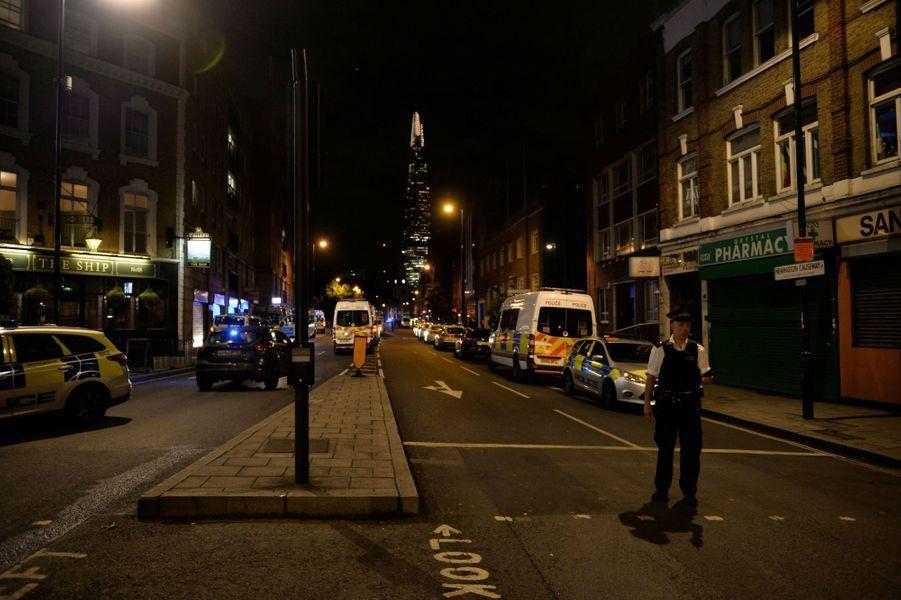Près du London Bridge, où un «incident majeur» est survenu samedi soir.