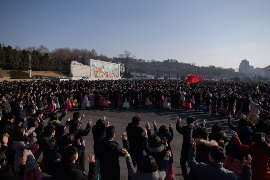 Les Nord-Coréens rendent hommage à Kim Jong Il, le 16 février 2019 àPyongyang.