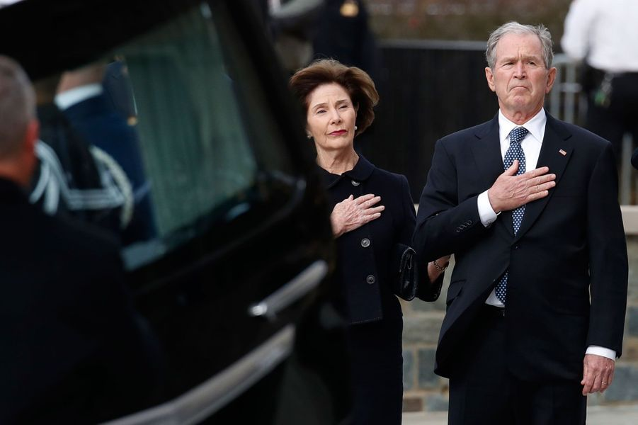 Laura et George W. Bush à Washington le 5 décembre 2018