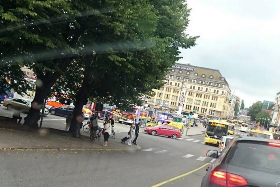 Plusieurs personnes poignardées à Turku, un suspect arrêté.