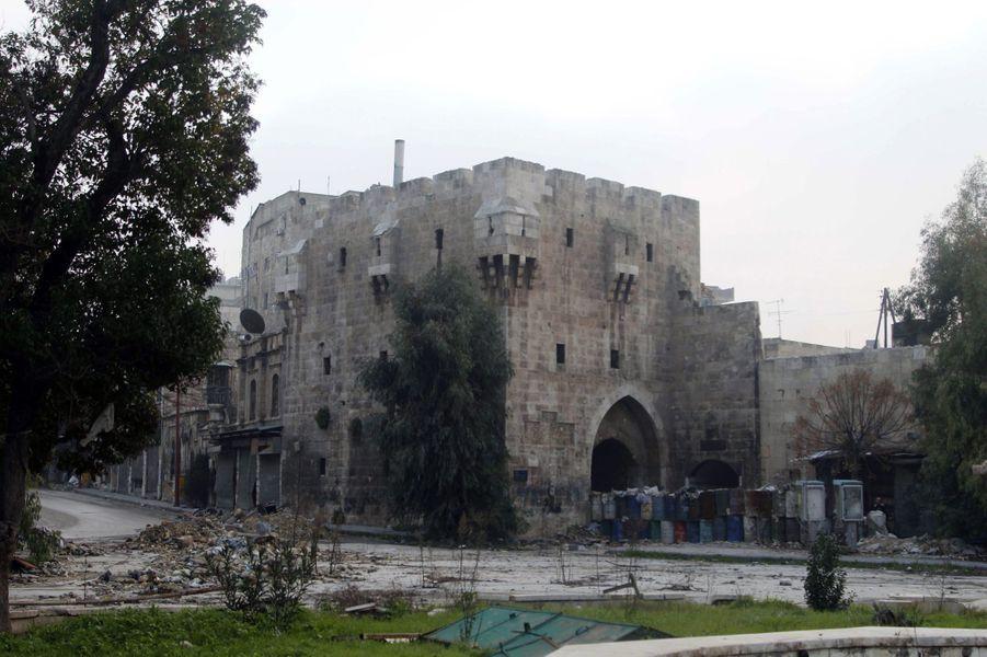 A Alep, les habitants vivent malgré la destruction de la ville