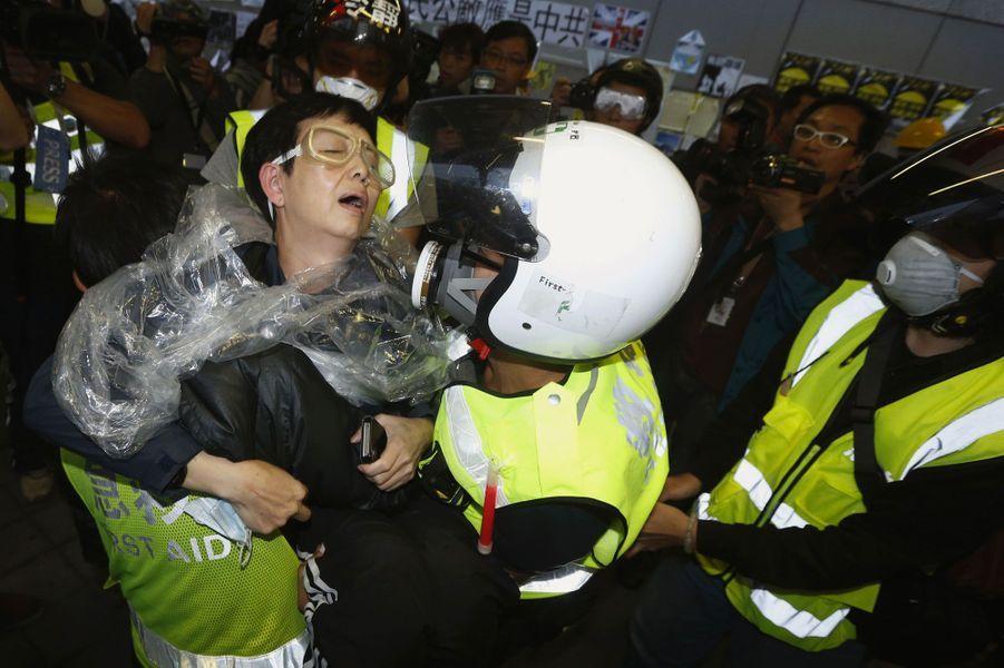 Hong Kong a été le théâtre de heurts entre manifestants pro-démocratie et policiers