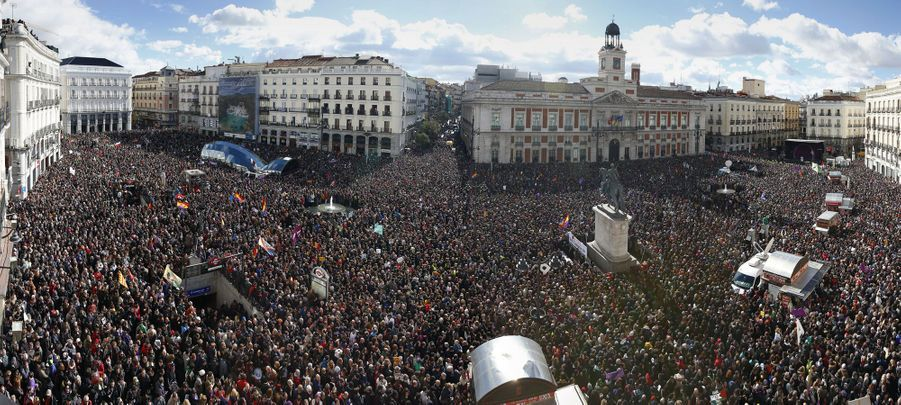 lace de la Puerta del Sol dans le centre de Madrid
