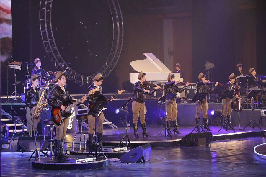 Le Moranbong Band, sur scène en Corée du Nord en 2014
