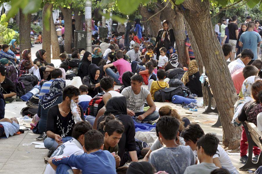 Athènes, étape obligée pour les réfugiés
