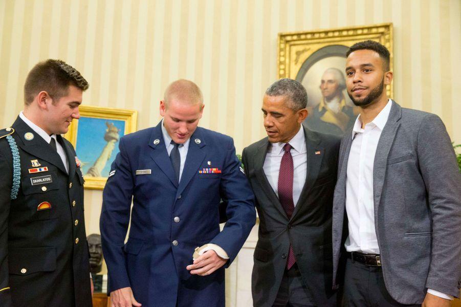 Barack Obama reçoit les héros du Thalys