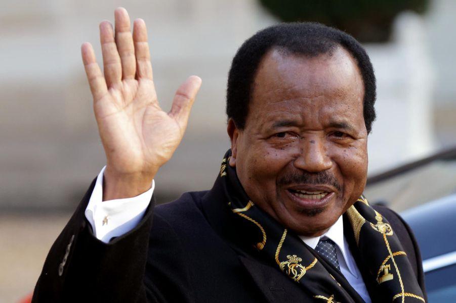 En avril 2008, l'Assemblée a adopté une révision constitutionnelle supprimant la limitation du nombre de mandats présidentiels. Paul Biya a ainsi été réélu en octobre 2011 pour un 6e mandat.