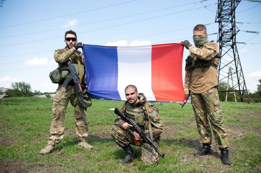 Les étrangers qui combattent en Ukraine aux côtés des forces de Donetsk
