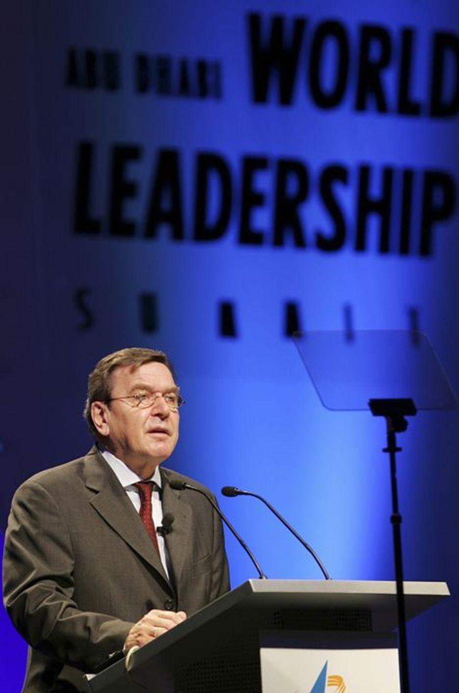 Gerhard Schroder facture entre 150.000 et 200.000 euros par conférence