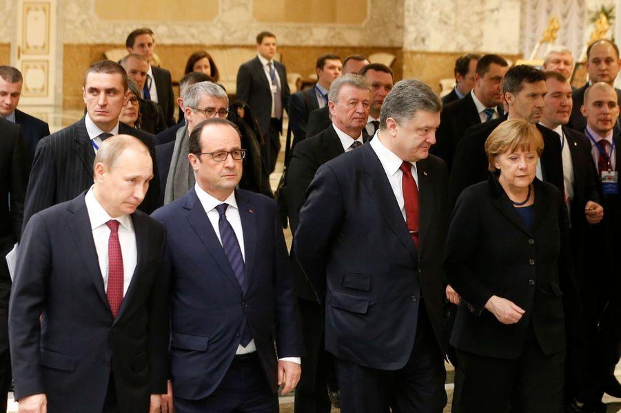 Le président russe Vladimir Poutine, le président français François Hollande, le président ukrainien Petro Porochenko et la chancelière allema...