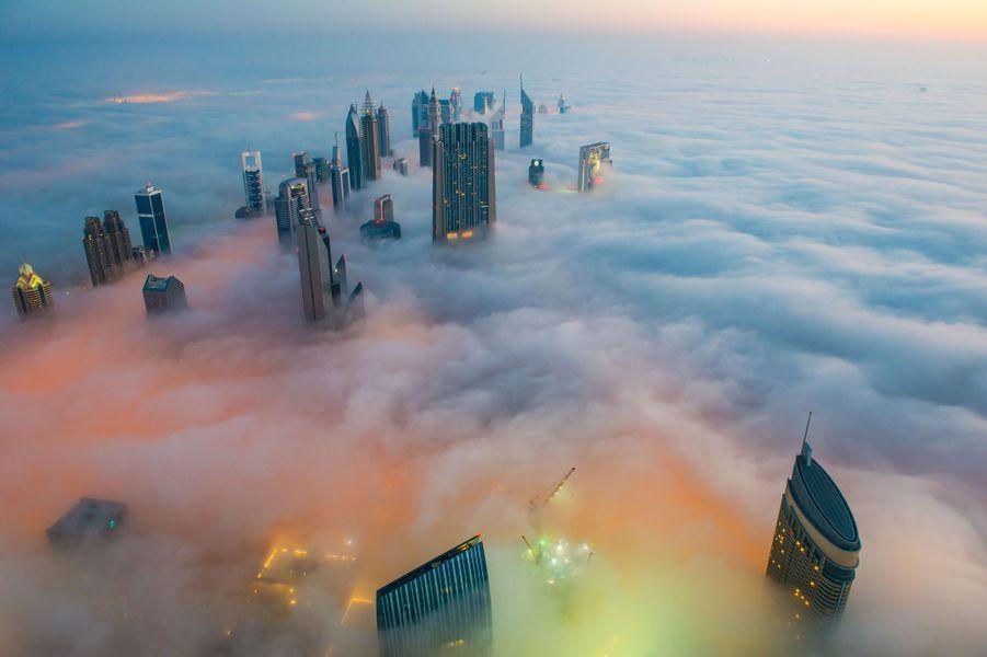 Dubaï, la cité dans les nuages