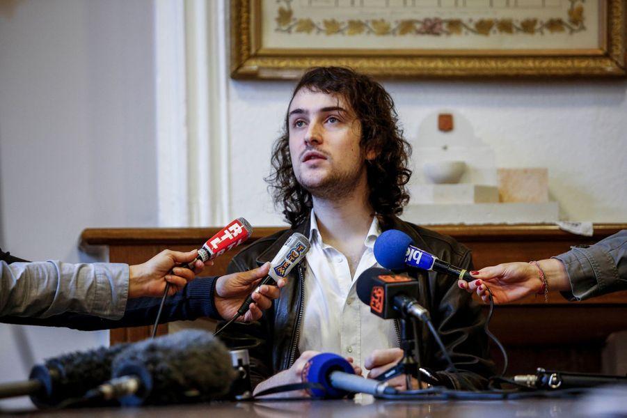 Edouard Elias de retour chez lui