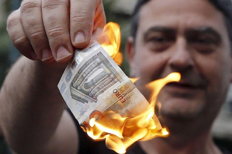En Grèce, les banques sont à l'arrêt en attendant le referendum