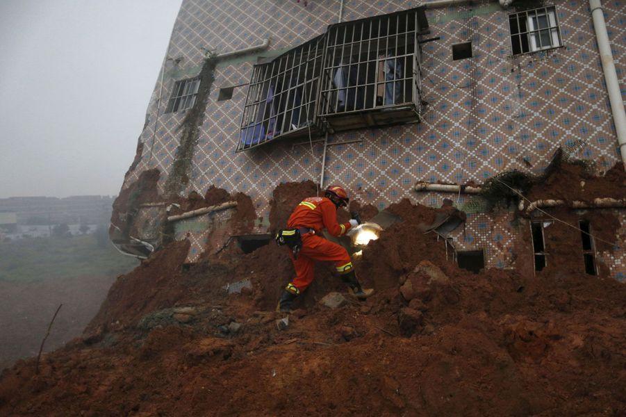 Glissement de terrain meurtrier en Chine