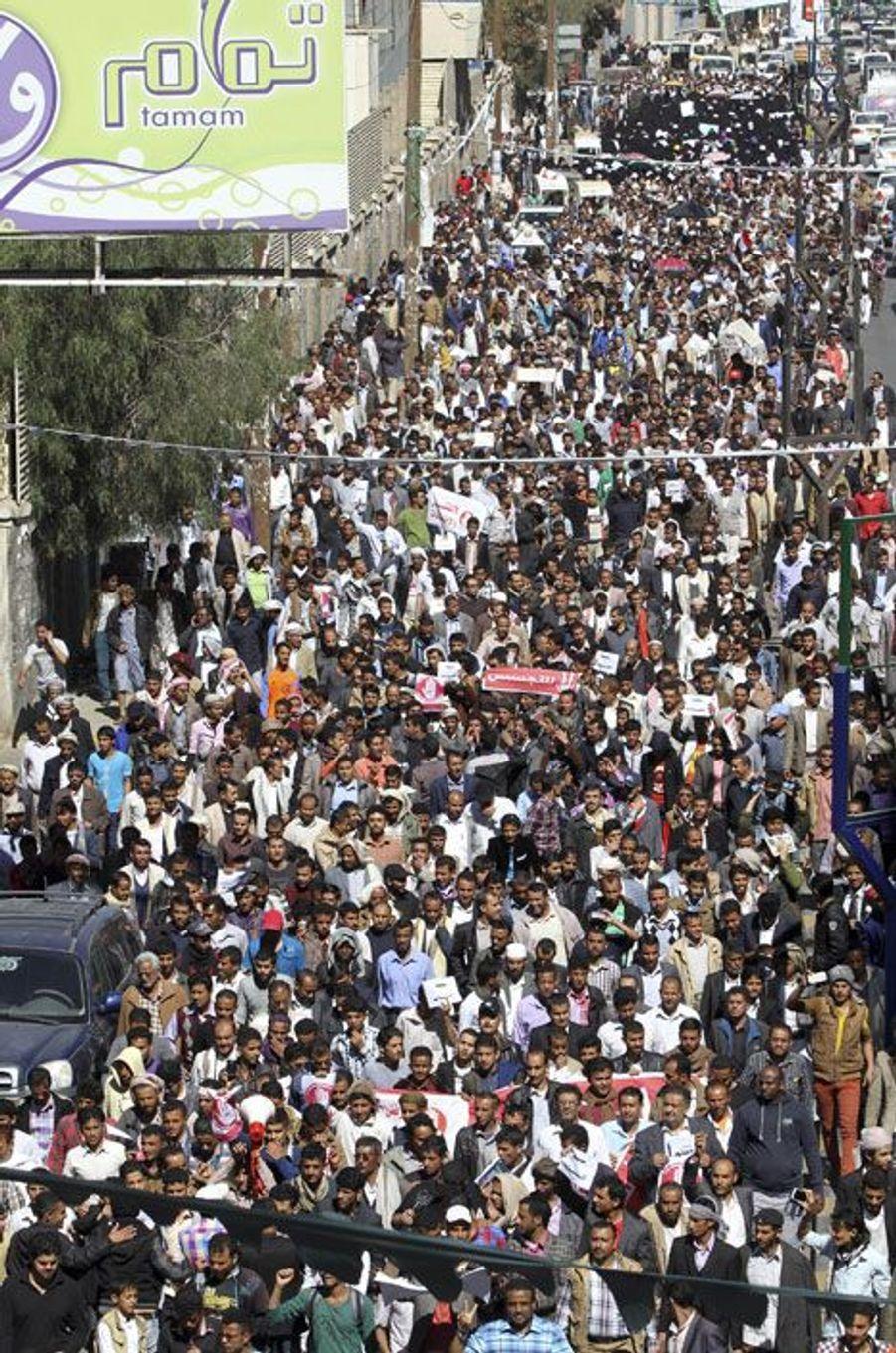 Grande manifestation anti-Houthis au Yémen