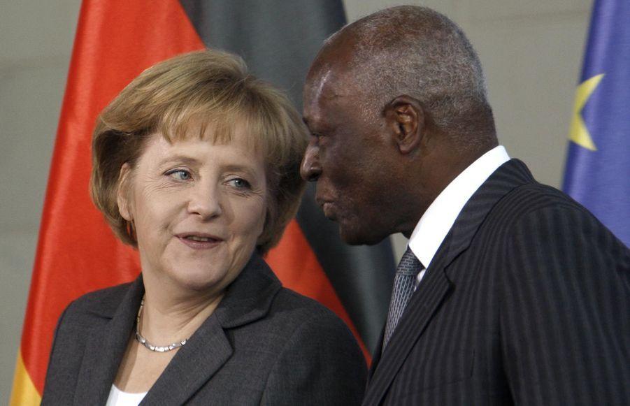 José Eduardo dos Santos avec Angela Merkel en 2009