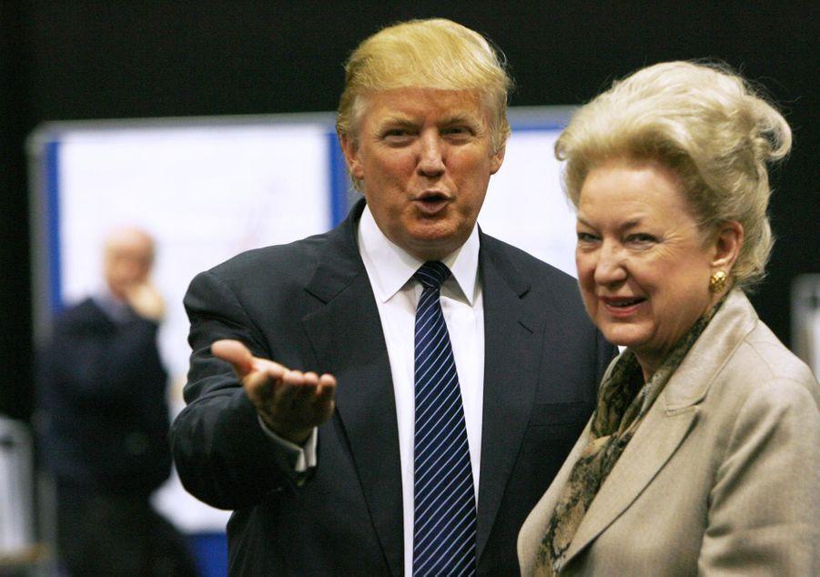 Donald Trump et sa soeur Maryanne Trump Barry en juin 2008