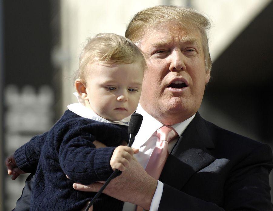 Donald Trump et son fils Barron en janvier 2007