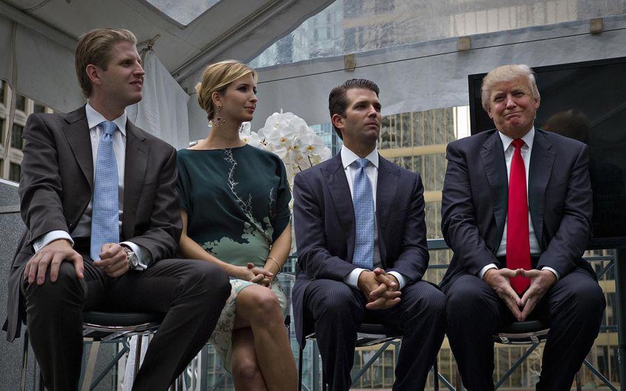Eric (L), Ivanka, Donald Jr. et Donald Trump en juin 2013
