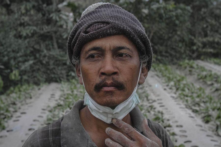 Le Mont Sinabung ne se calme pas