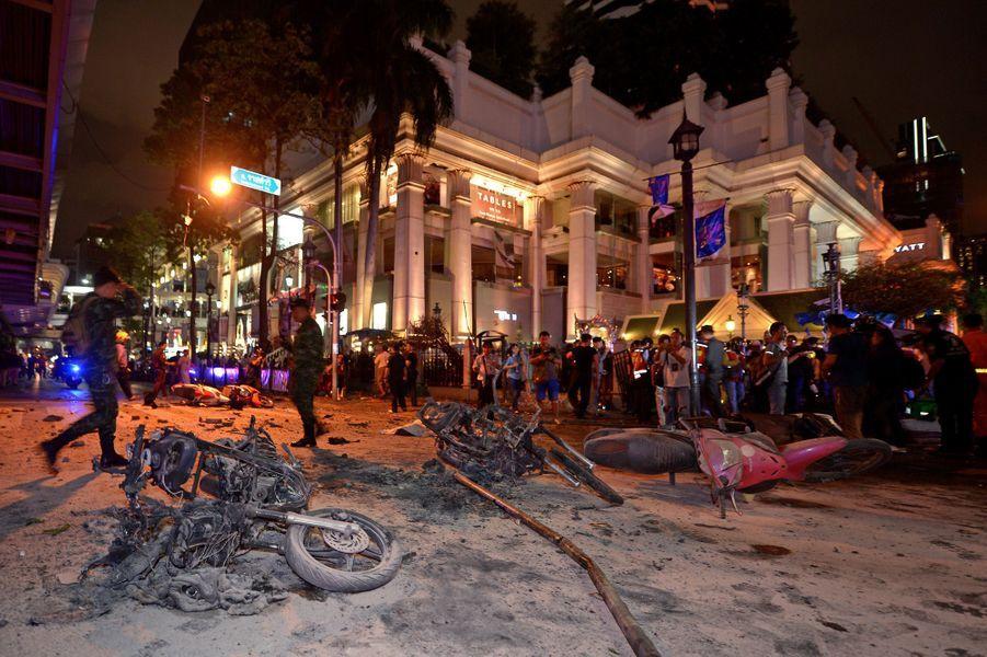 17 août. Attentat à Bangkok, en Thaïlande