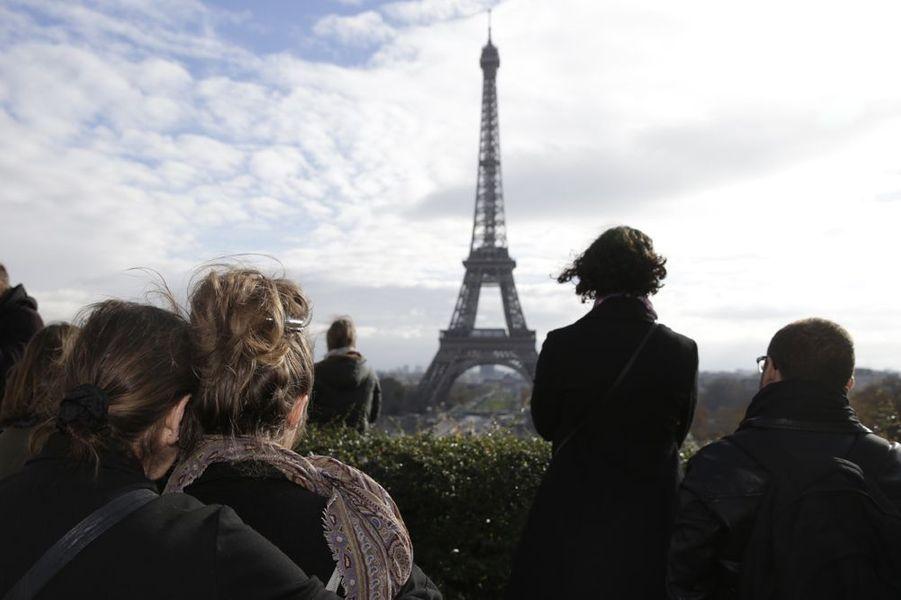 18 novembre. La France se recueille après les attentats