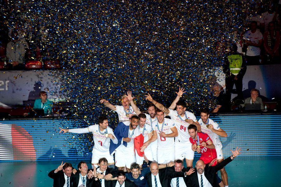 18 octobre. L'équipe de france de volley remporte l'Euro